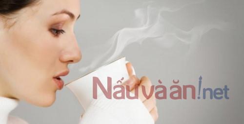 10 lợi ích của việc uống nước ấm vào buổi sáng