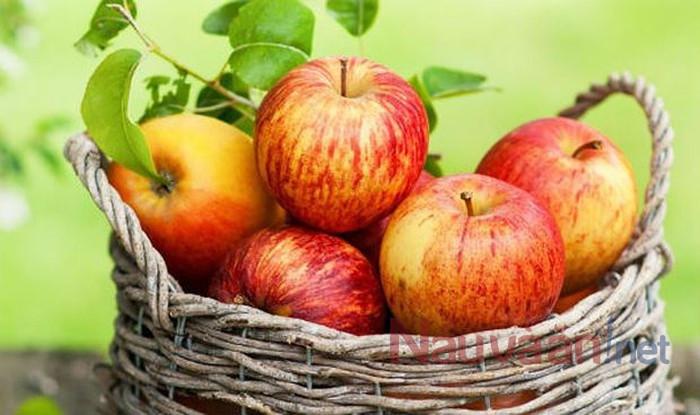 Mẹo chọn táo không ngâm hóa chất,