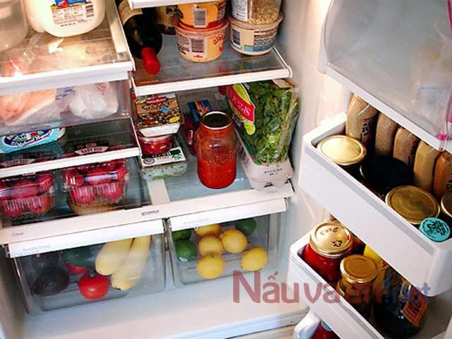 Những lưu ý khi dự trữ thực phẩm ngày Tết để tránh 'hại' cả nhà