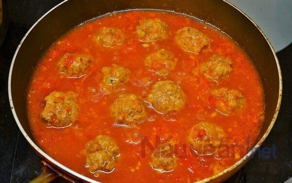 làm sốt cà chua
