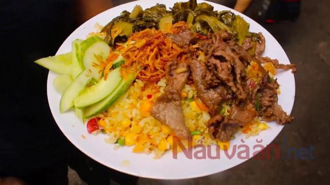 Cơm Rang dưa bò hoàn thành món ăn