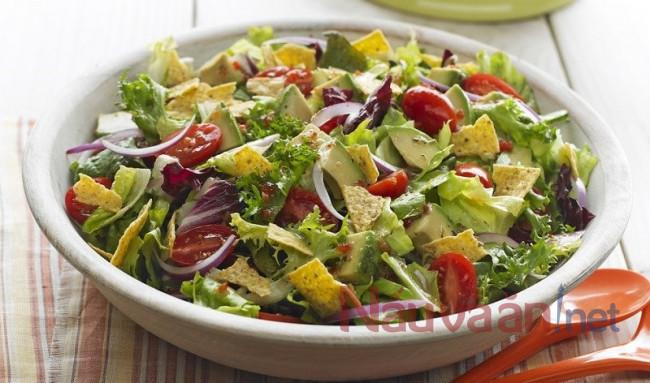 ăn nhiều rau xanh và trái cây tươi