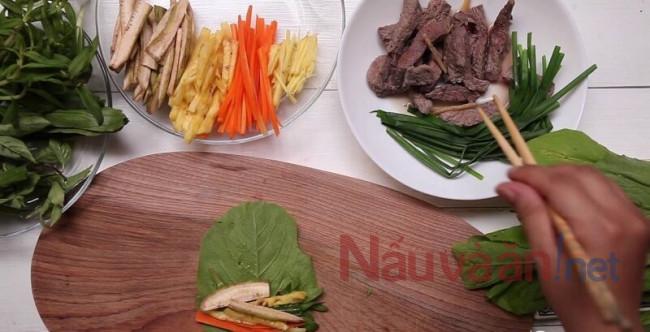 Ảnh cách làm món thịt bò cuốn lá cải.