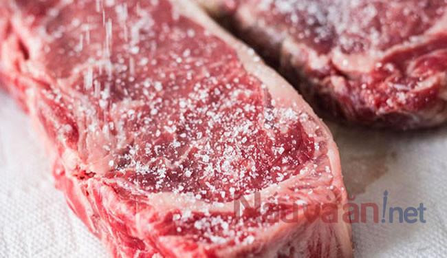 Ướp thịt bò bít tết