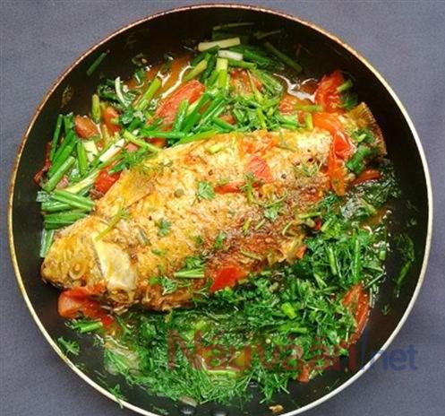 Cách làm cá chép chiên giòn sốt cà chua không tanh