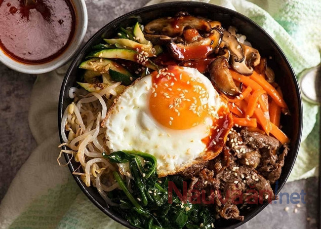 Cơm trộn Hàn Quốc Bibimbap