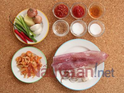 Nguyen lieu chuan bi mưc xao