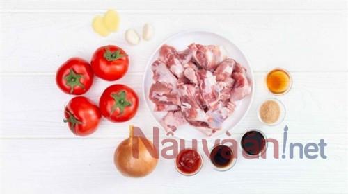 Sụn heo om cà chua mềm ngon