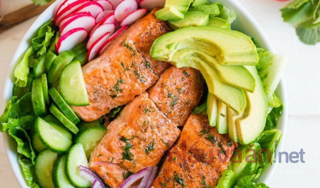 Cách làm salad cá hồi bơ