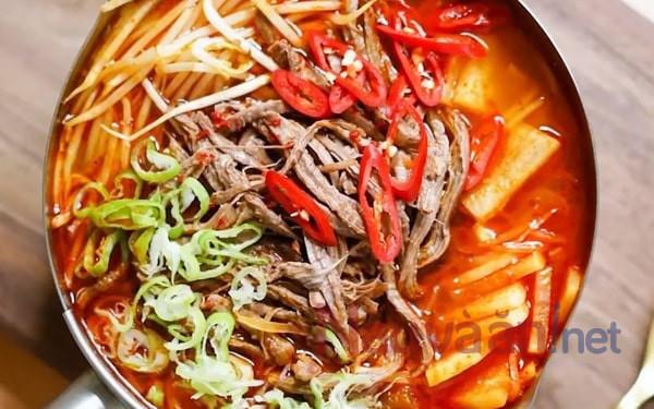 canh bò cay Hàn Quốc