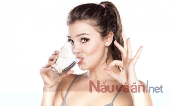 uống nước đầy đủ