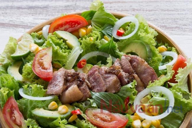 salad trộn thtij bò